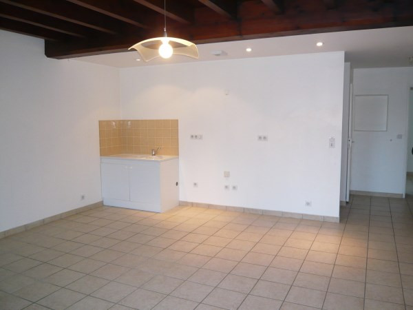 Rental apartment Optevoz 505€ CC - Picture 1