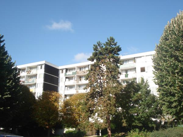 Beau F4 à rénover avec balcon et parking