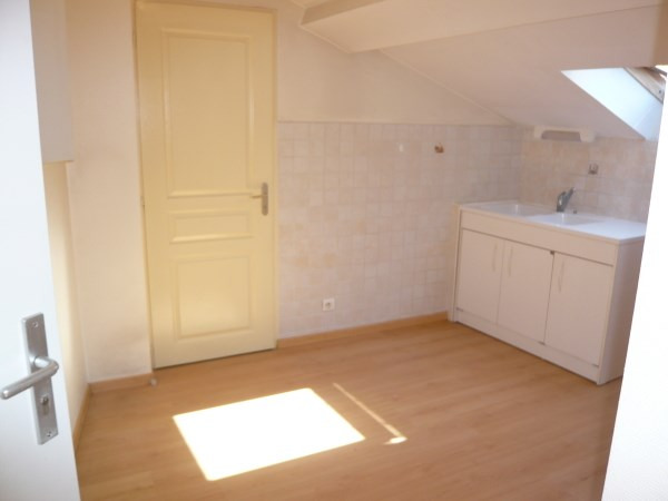 Location appartement Bourgoin jallieu 390€ CC - Photo 5