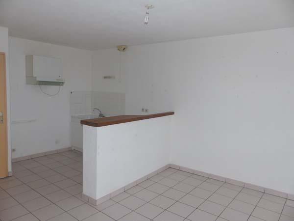 Location appartement Bourgoin jallieu 440€ CC - Photo 2
