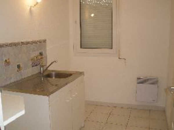 Location appartement Salon de provence 645€ CC - Photo 7