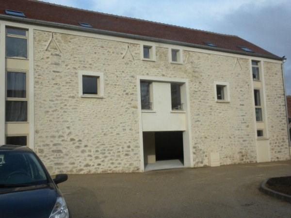 Rental apartment Bouray sur juine 840€ CC - Picture 1