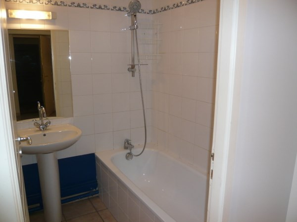 Rental apartment Cremieu 624€ CC - Picture 5