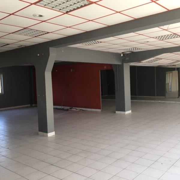 Vente local commercial Cholet 174 900€ - Photo 1