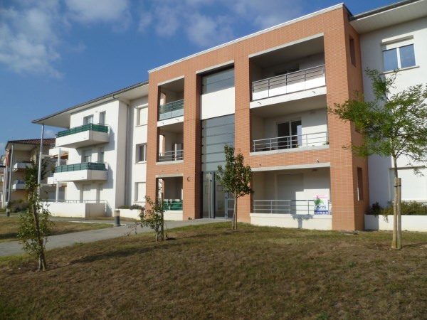 Location appartement La salvetat st gilles 594€ CC - Photo 1