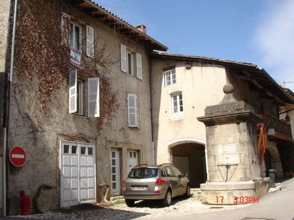 Rental apartment Poncin 435€ CC - Picture 2