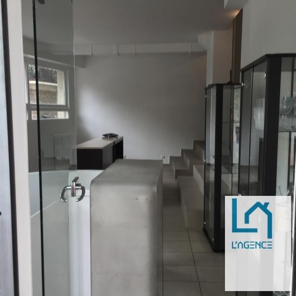 Location local commercial Paris 2 317€ HT/HC - Photo 2