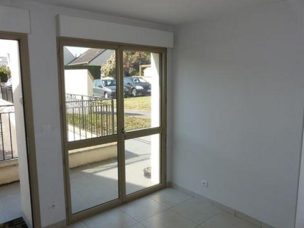Rental apartment Ballancourt sur essonne 975€ CC - Picture 1
