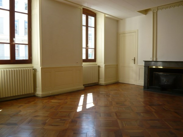 Location appartement Bourgoin jallieu 745€ CC - Photo 3