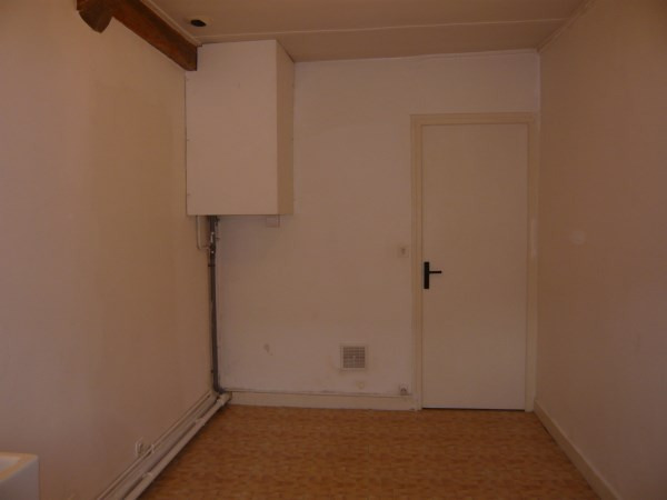 Rental apartment Cremieu 340€ CC - Picture 5