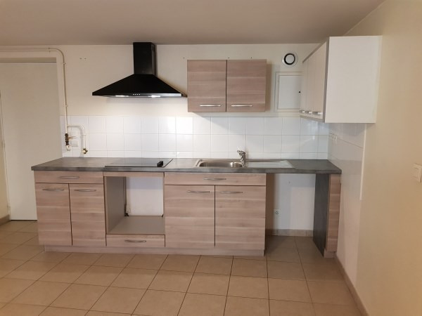 Location appartement Nantua 446€ CC - Photo 2