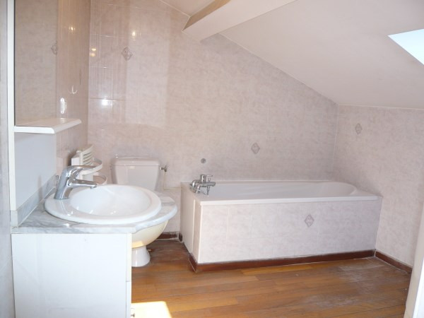 Location appartement Bourgoin jallieu 390€ CC - Photo 4