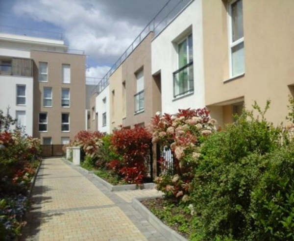 Sale apartment Nanterre 360 000€ - Picture 1
