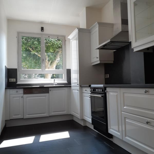 Sale apartment Vaucresson 370000€ - Picture 3