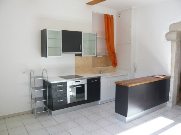 Location appartement Cremieu 640€ CC - Photo 1