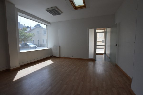 Location local commercial Nantes 800€ CC - Photo 3