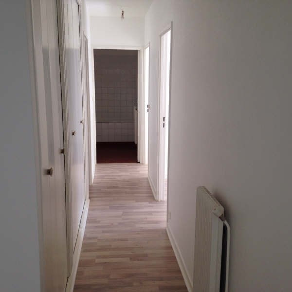 Location appartement Maurepas 891€ CC - Photo 3