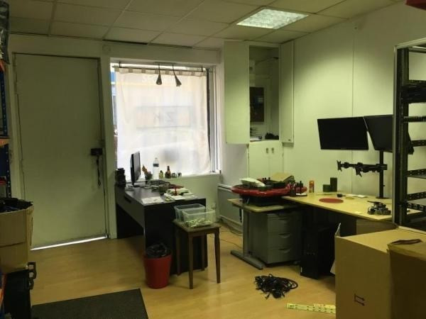 Location boutique Paris 18ème 900€ HT/HC - Photo 3