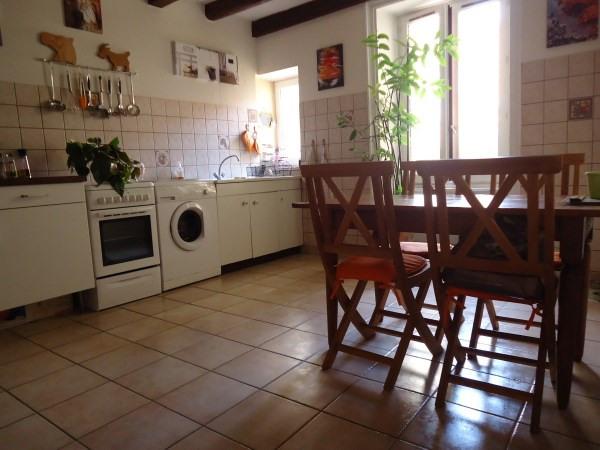 Rental apartment Cremieu 620€ CC - Picture 2