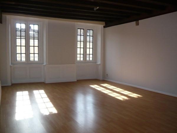 Location appartement Cremieu 620€ CC - Photo 1