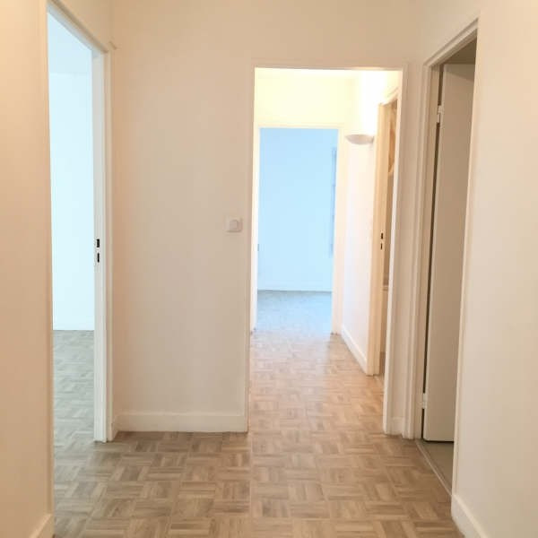 Location appartement Chennevieres sur marne 947€ CC - Photo 2