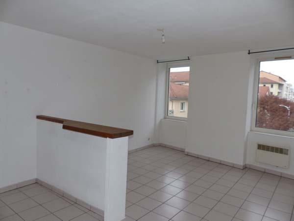 Location appartement Bourgoin jallieu 440€ CC - Photo 1