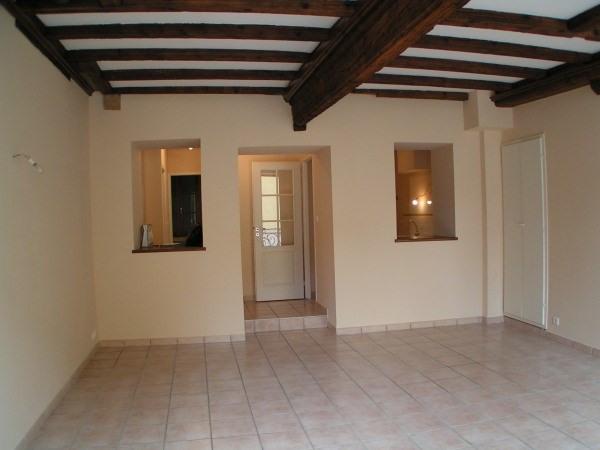Rental apartment Cremieu 550€ CC - Picture 1
