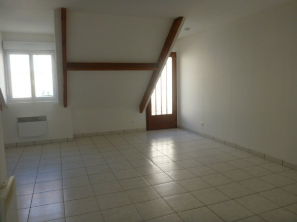 Rental apartment Cerny 772€ CC - Picture 2