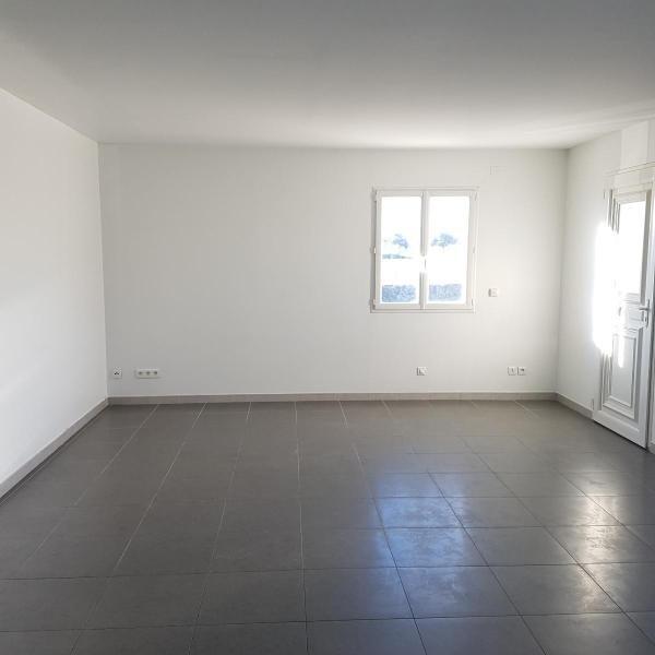 Location appartement Eguilles 1030€ CC - Photo 2