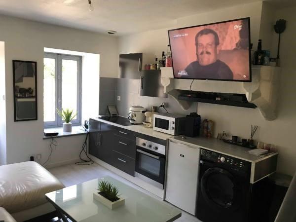 Location appartement Hieres sur amby 330€ CC - Photo 2