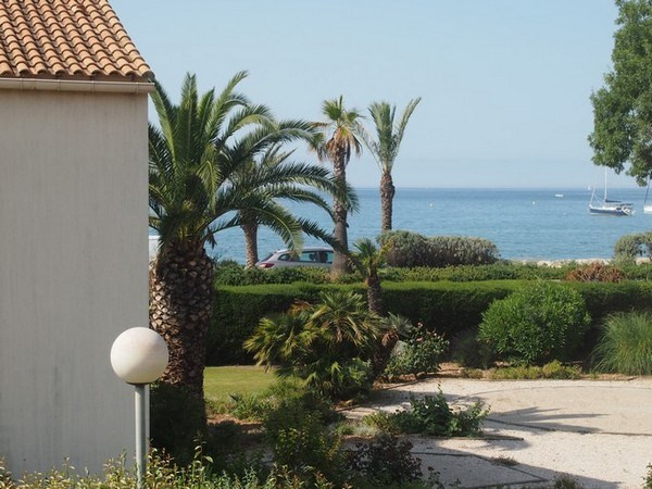 Vacation rental apartment Sanary sur mer 690€ - Picture 1