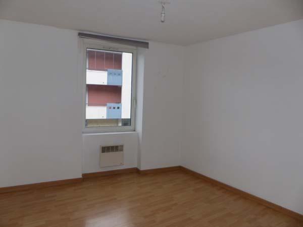 Location appartement Bourgoin jallieu 440€ CC - Photo 4