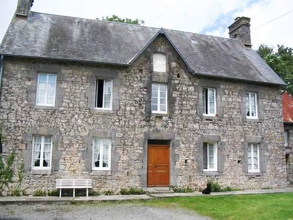 Sale house / villa Saussey 176700€ - Picture 1
