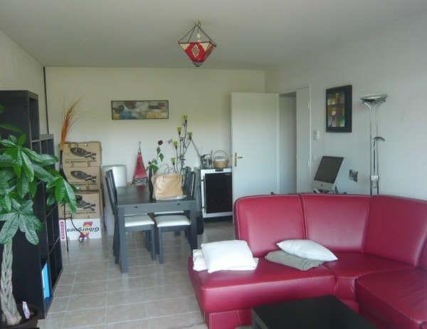 Rental apartment Les milles 888€ CC - Picture 4