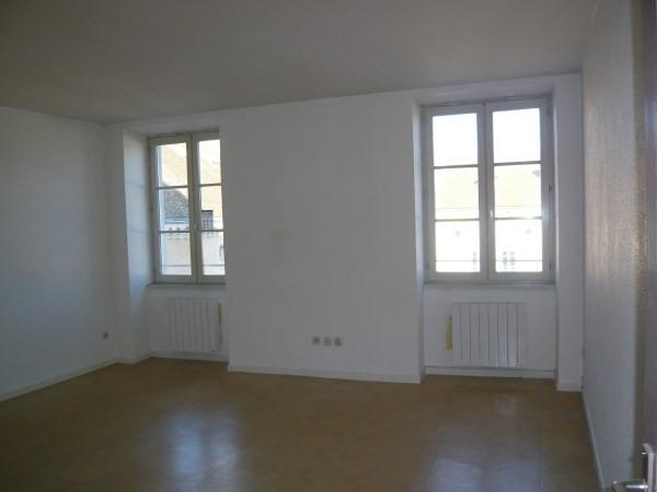 Rental apartment Cremieu 550€ CC - Picture 2