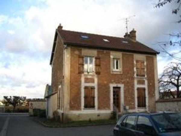 Rental apartment Ballancourt sur essonne 911€ CC - Picture 1