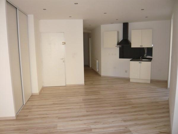 Rental apartment Cremieu 490€ CC - Picture 1