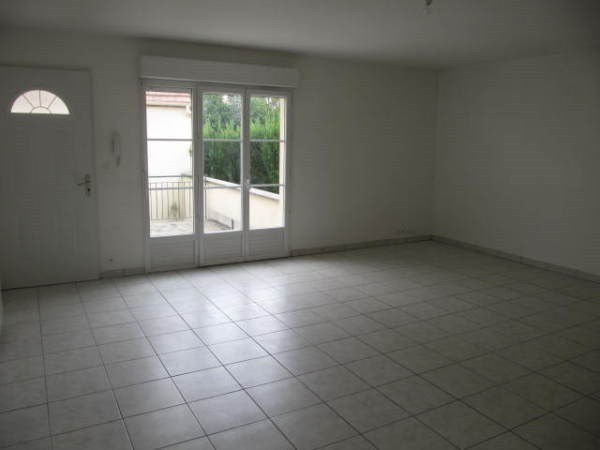 Location appartement Cerny 890€ CC - Photo 2