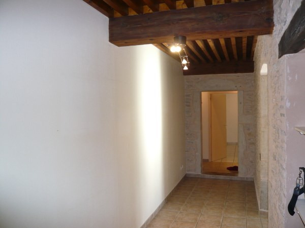 Location appartement Cremieu 640€ CC - Photo 4