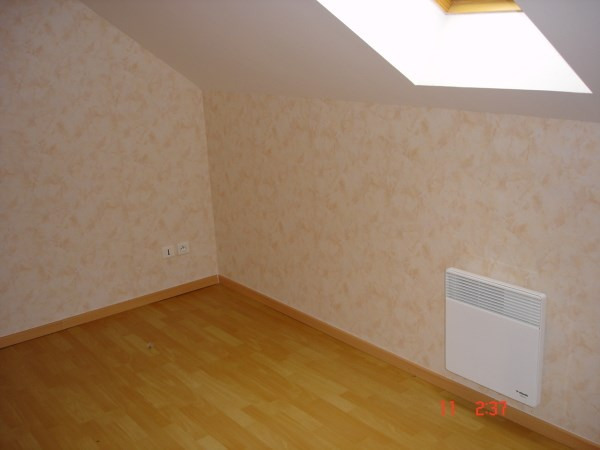 Location appartement Courtenay 400€ CC - Photo 2