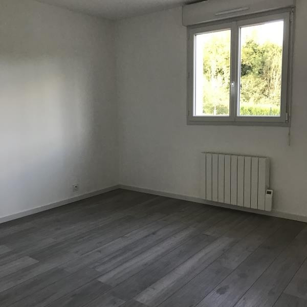 Location maison / villa Saint desir 1 080€ CC - Photo 7