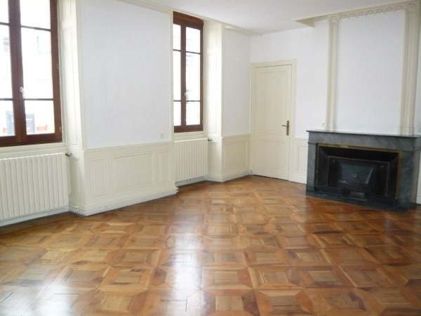 Location appartement Bourgoin jallieu 795€ CC - Photo 2