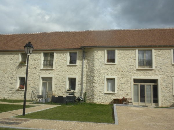 Rental apartment Bouray sur juine 815€ CC - Picture 1