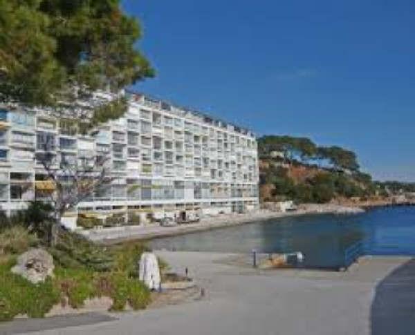 Deluxe sale apartment Bandol 235000€ - Picture 1