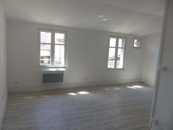 Location appartement Bourgoin jallieu 410€ CC - Photo 4