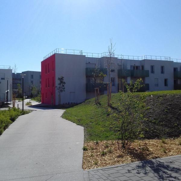 Location appartement Begles 780€ CC - Photo 1