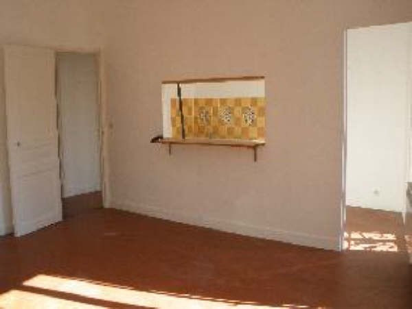 Rental apartment St chamas 521€ CC - Picture 2