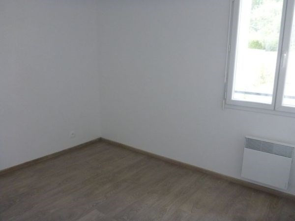Rental apartment D'huison longueville 700€ CC - Picture 3