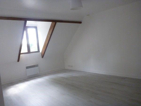 Rental apartment La ferte alais 510€ CC - Picture 2