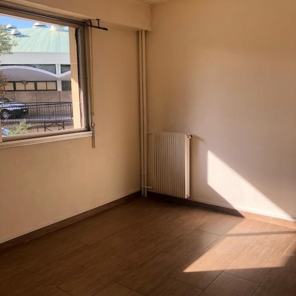 Sale apartment La garenne colombes 147000€ - Picture 2